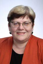 Ly Erg : Psühholoog, Tartu koolide ja lasteaedade psühholoogide aineühenduse koordinaator